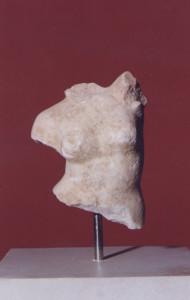 Μαρμάρινος κορμός γυμνής Αφροδίτης, ρωμαϊκό αντίγραφο, χώρος Ι.  Μουσείο Παλαιόπολης-Mon Repos.