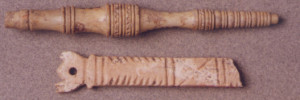 Στέλεχος κατόπτρου, 1ος αι. μ.Χ. / Στέλεχος μαχαιριδίου,1ος-4ος αι.  μ.Χ., Μουσείο Παλαιόπολης-Mon Repos.